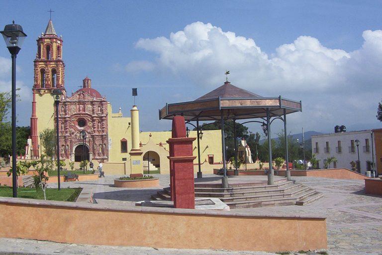 Plaza-Principal-Landa-de-Matamoros