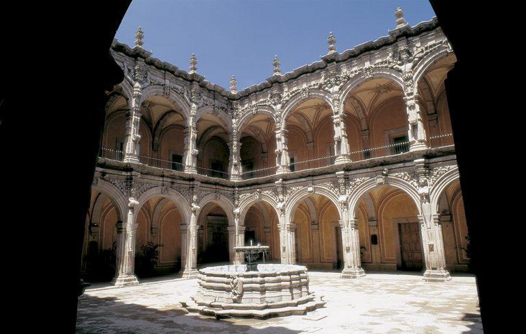 Visita-a-Claustro-del-ex-convento-de-San-Agustín