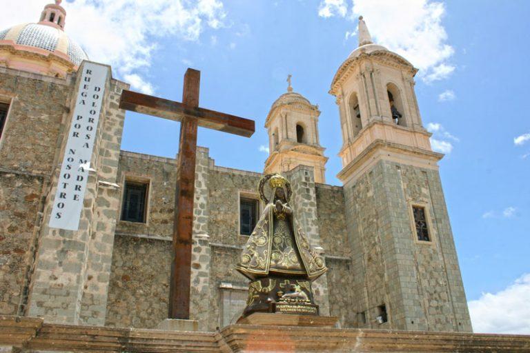 Colón gastronómico y religioso